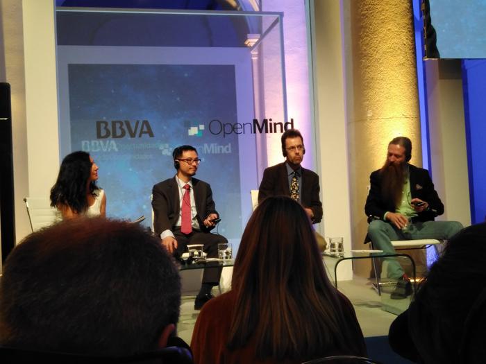 Los tres ponentes que participaron en el acto de OpenMind para hablar de futuro y tecnología.