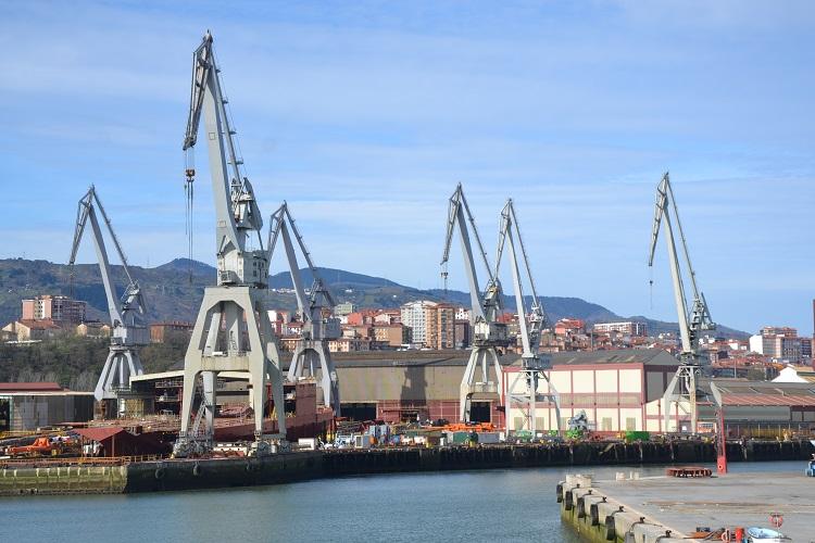 El campus de la Universidad de Deusto en Bilbao está junto a la ria