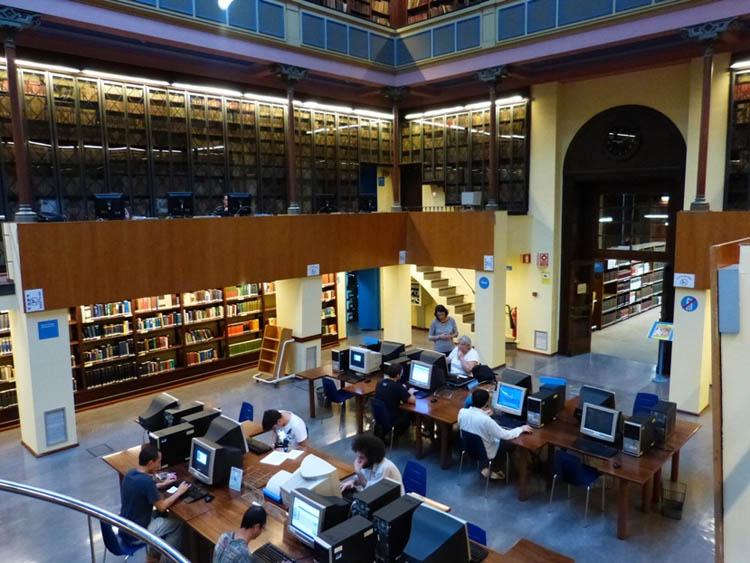 En las bibliotecas de la Universidad de Barcelona tendrás acceso a toda la información que necesites