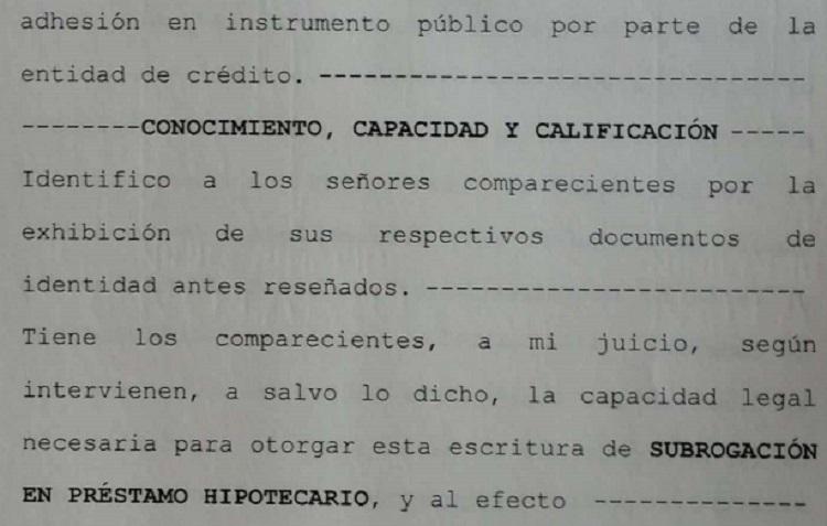 Escritura notarial firmada por un notario