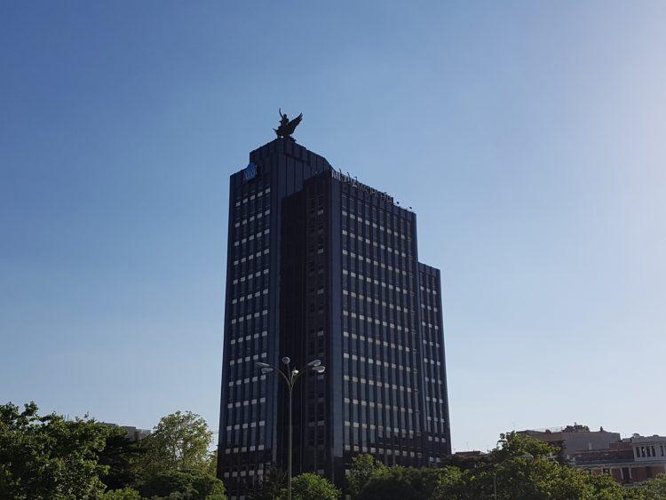 Vista completa del edificio de Mutua Madrileña
