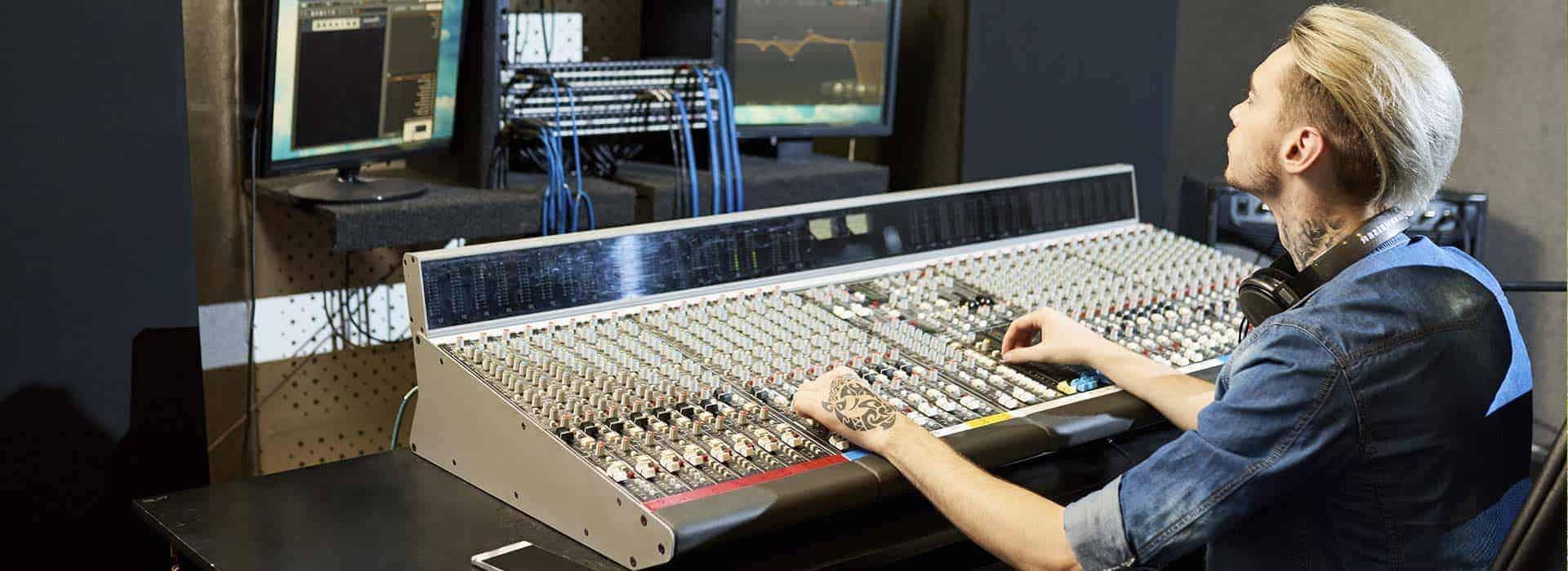 Curso de Especialista en Sonido y Producción Musical