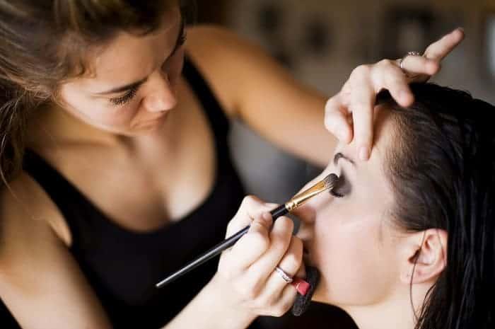 5 consejos para conseguir trabajo de maquilladora