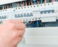 Instalaciones eléctricas y automáticas grado medio: asignaturas de la FP