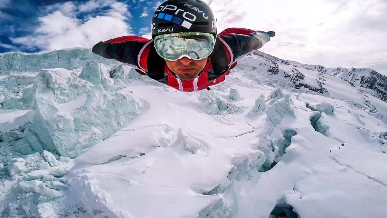 El wingsuit es una modalidad del salto BASE